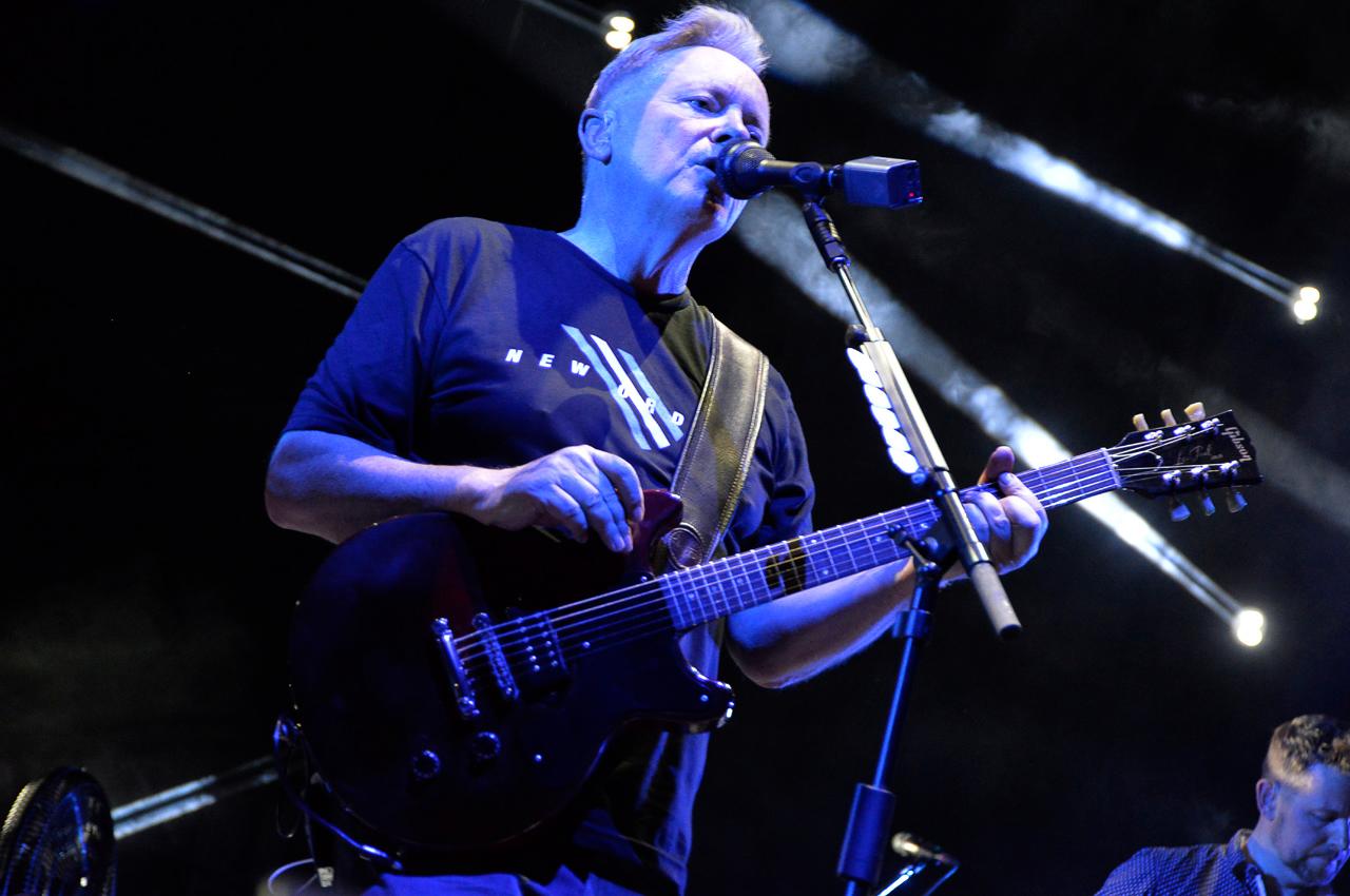 New Order en el Luna Park: clásico y moderno en el mismo cuerpo