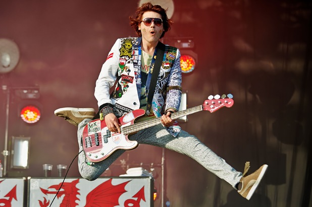 nicky-wire-fender-bass