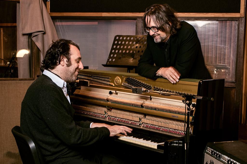 Jarvis Cocker y Chilly Gonzales presentaron dos temas nuevos