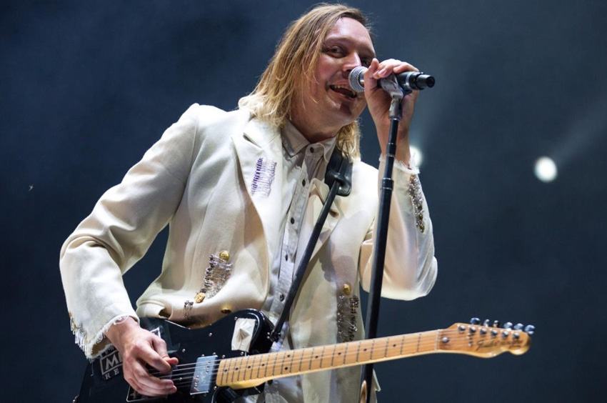 Mirá a Arcade Fire versionando de Bowie, Lennon y Radiohead
