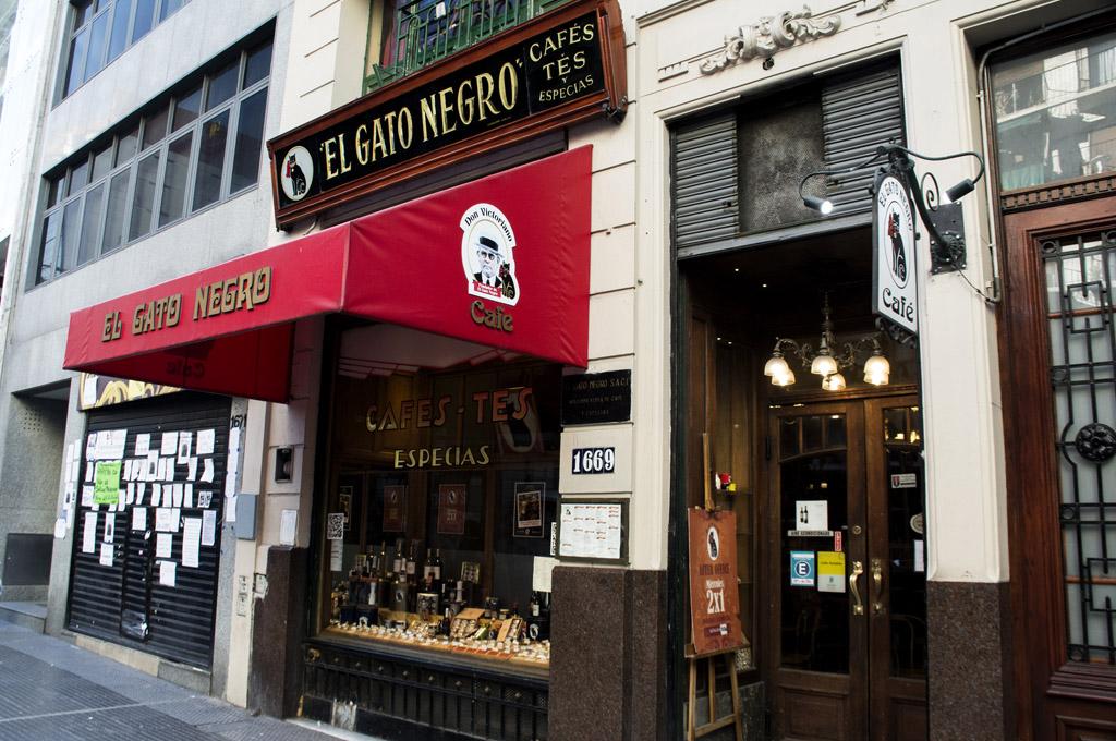 El Gato Negro: Buenos Aires y el rito del té