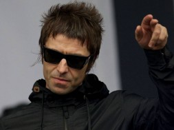 liam-gallagher-2017-02