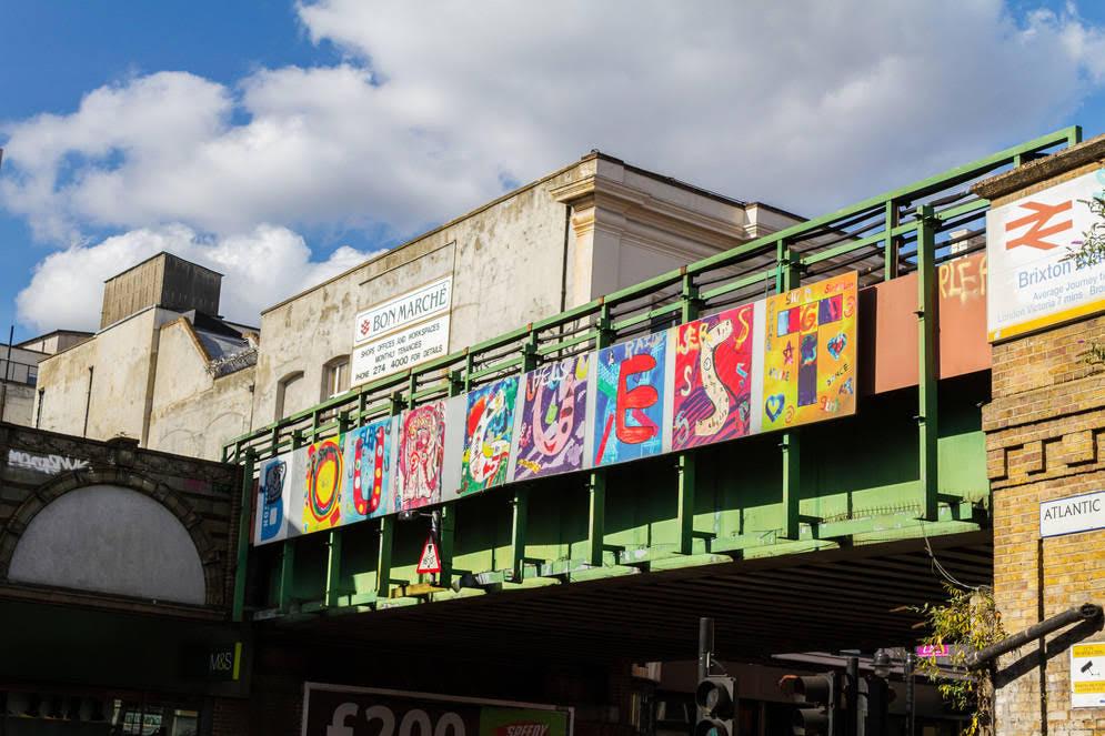 Un recorrido por la Brixton Academy y su barrio